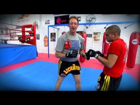 Muay Thai knee techniques - Mark 'The Hammer' Castagnini Image 1