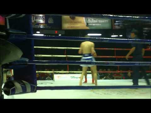 Daniel McGowan v Phalangpetch 103lb @Lumpinee Stadium, Bangkok 11/2/12
