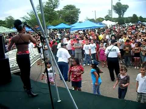 Performing Selena in Plainview Tx