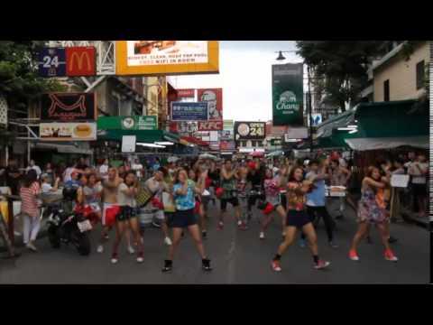 Flash Mob takes over Khao San Road, Bangkok