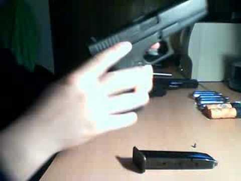 Armado y desarmado de GLOCK 17 (blank firing)