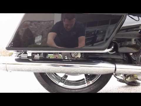 Arnott Air Suspension FLHX and FLHXSE Harley Davidson Street Glides