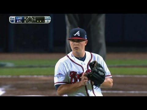 Medlen strikes out the side in the first