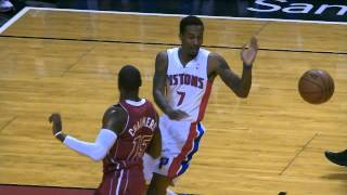 Josh Smith Throws the Poster Down on Chris Bosh