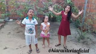 Crianças louvando a Deus(1)