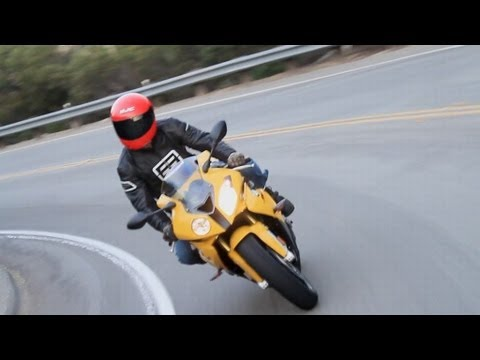 BMW S1000RR - KBB Motorcycle Review