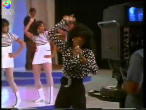 Shake Your Tail Feather - Angela Bassett as Tina Turner.wmv