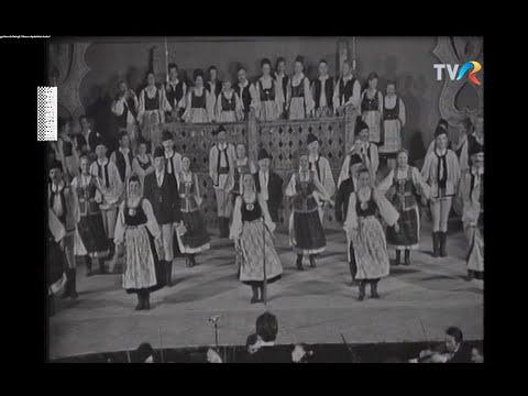 MAGYARADÁS / Maros Együttes és Balogh Dénes népdalokat énekel