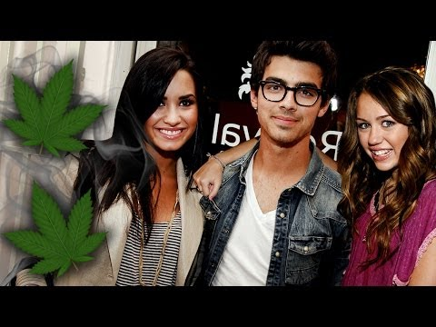 Joe Jonas Weed with Demi Lovato & Miley Cyrus!? Lost Virginity at 20!