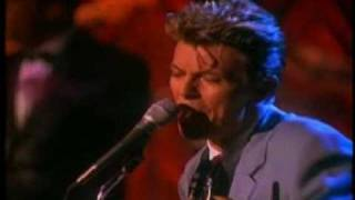Watch David Bowie I Feel Free video