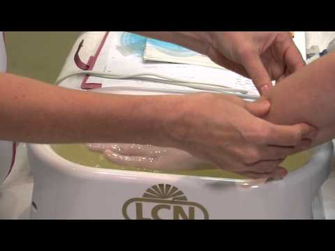 How to apply paraffin wax profesionally to the hands