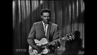 Watch Chuck Berry Sweet Little Sixteen video