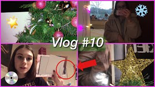 WEEKLY VLOG: Being Artistic, Exciting Packages, And Putting My Christmas Decorations Up!