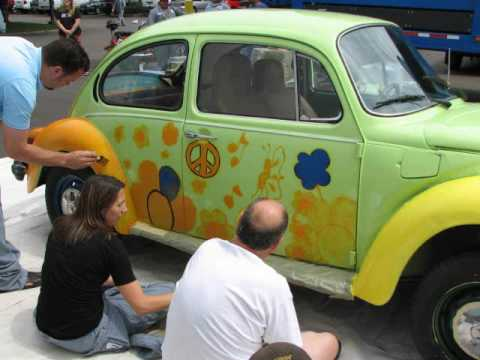 [04.23.09] Making of the Hippie Bug