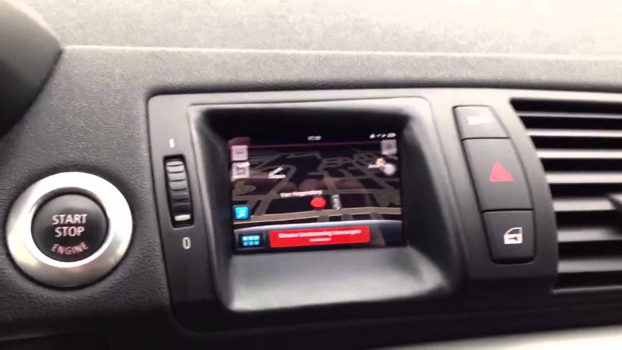 Bmw E87 1 Serie Iphone 4 Navigation Youtube