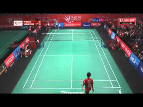 Lee Yong Dae's Victor Badminton Racket Broke Into Two Pieces!