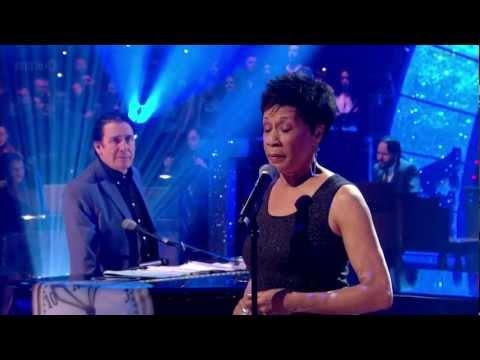 Bettye Lavette - Let Me Down Easy (Jools Annual Hootenanny 2013) HD 720p