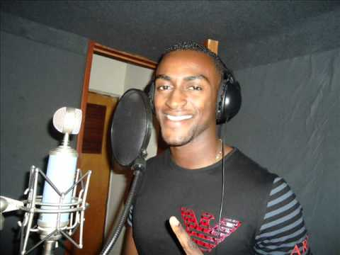Jackson Martínez cantando Gracias Dios