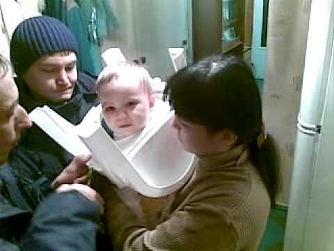 Спасатели. Стульчак на голове.