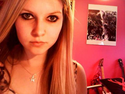 Avril Lavigne Inspired Make Up Look from Complicated Video (Requested)