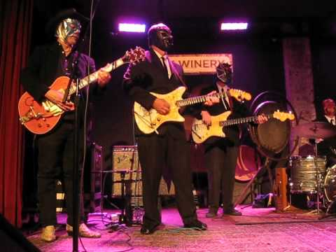 LOS STRAITJACKETS W/ OTHERS** --