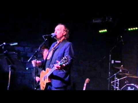 Dave Davies of The Kinks - Tired of Waiting - Sacramento 11/1/2015
