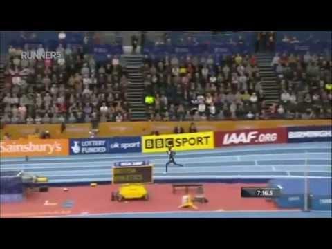 Mo Farah rompe el récord del mundo de la doble milla en pista cubierta
