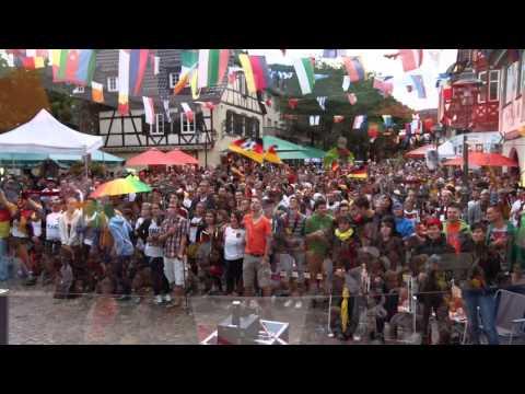 WM 2014: Haslach im Kinzigtal singt Nationalhymne # Public-Viewing Marktplatz