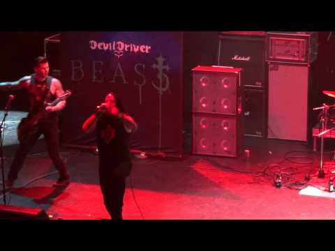DevilDriver - End of the Line (Live at Los Angeles 9/27/11) (HD)