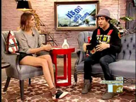 Pete Wentz and Mark Hoppus on It's On With Alexa Chung
