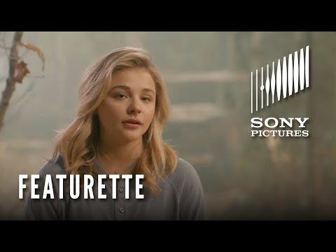 The 5th Wave Featurette: Meet Cassie