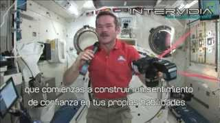 William Shatner conversa con el Astronauta Chris Hadfield en la Estación Espacial Internacional
