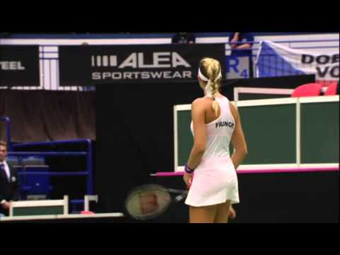 Highlights: Petra Kvitova (CZE) v Kristina Mladenovic (FRA)