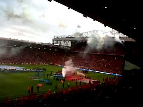 Manchester United champions 2012/2013 trophy celebrations.
