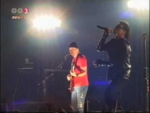 U2 Hallenstadion Zürich 2001 - TV3 News Report