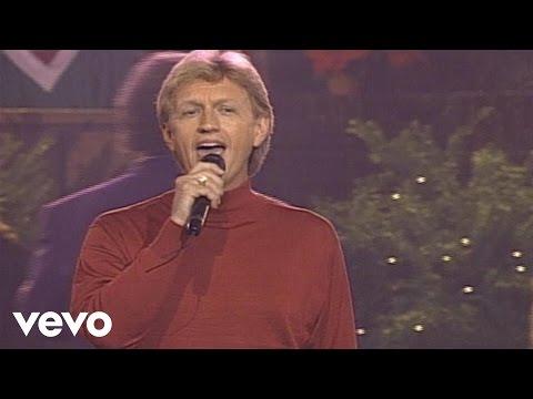 Bill & Gloria Gaither - Joy to the World (Live)