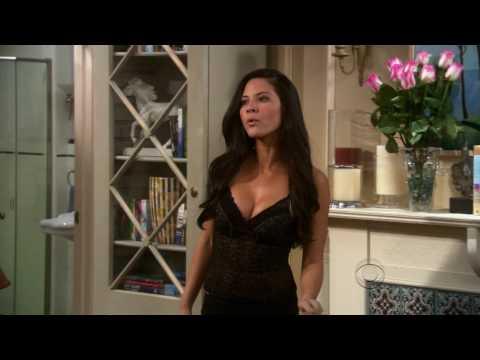 Olivia Munn strips to her bra