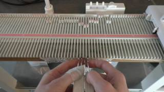 Manuell fletteteknikk / Manual cable knit - On any knitting machine