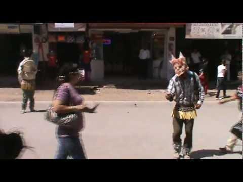 Semana santa 2012 Judios o matachines bailando en el centro de Culiacán