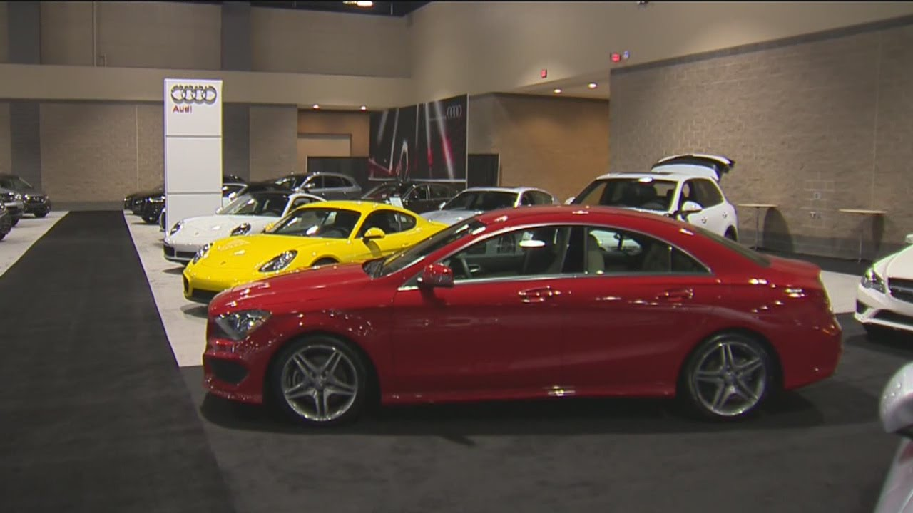 hundreds of cars on display at ct international auto show. Black Bedroom Furniture Sets. Home Design Ideas