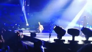 Carrie Underwood Falling  On Stage Video!
