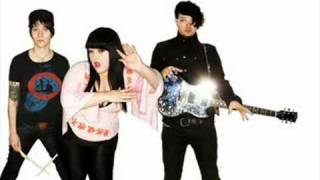 The Gossip - Standing in the Way of Control