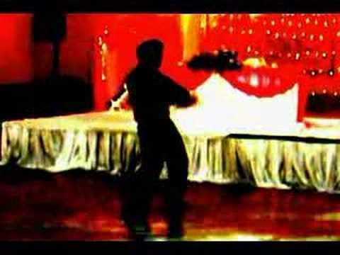 Kal dances to bluffmaster ek pal ka and mein aisa kyun hoon