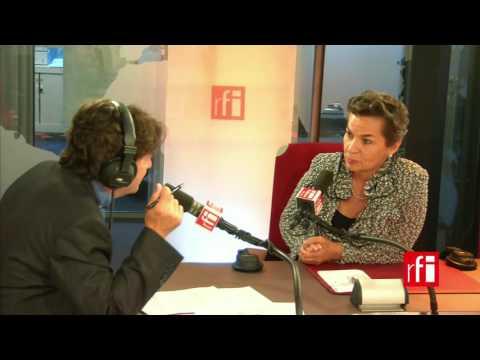 La costarricense Christiana Figueres con Jordi batallé en RFI