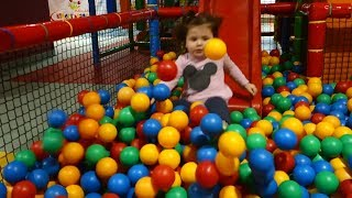 Playground Fun  Play Place for Kids play centre ball  playground with balls play room games room