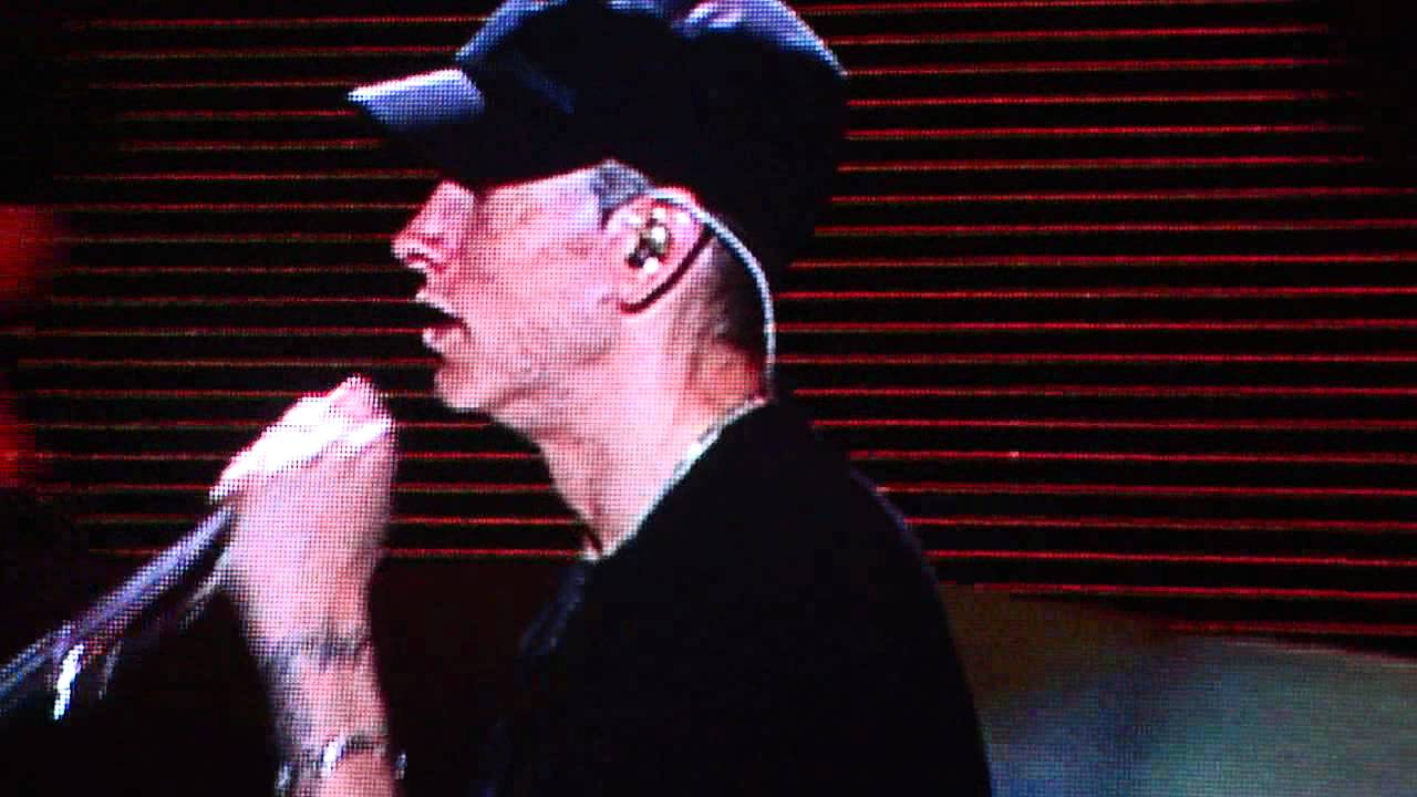 Eminem - Osheaga 2011 - Nate Dogg Tribute Part. 1 - YouTube