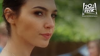 """Keeping Up With The Joneses   """"Throw Like A Girl"""" Clip Ft. Gal Gadot   20th Century FOX"""