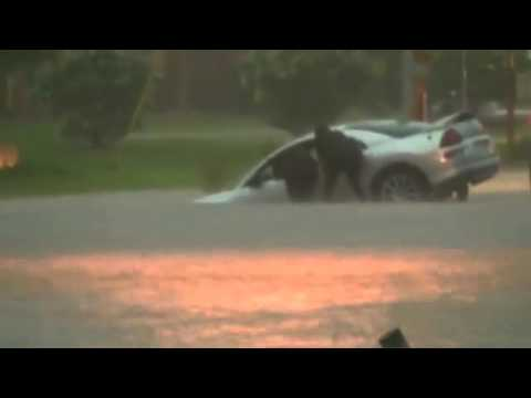 Driver Rescued From Mississippi Flooding - Raw Video