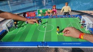 TotoyKids juega a La Copa Mundial Rusia 2018 juego de Playmobil Niños contra Niñas!!!