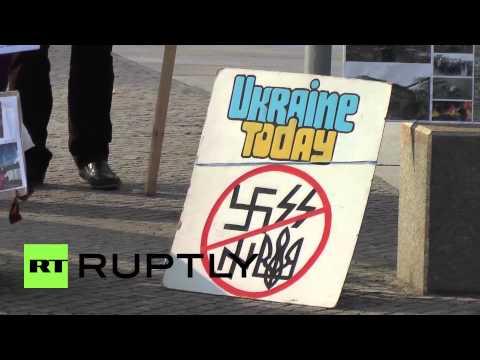 Germany: 'Stop nazis in Ukraine!' Protest greets Poroshenko in Berlin